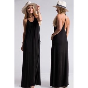 Dresses & Skirts - 🔥JUST IN!⭐️💕Black Jersey T-Back Maxi w Pockets